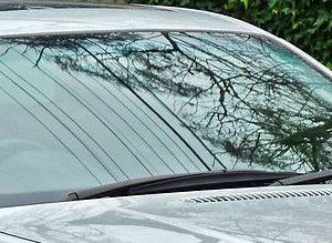 1200px-1998-2001_BMW_328i_(E46)_sedan_(2011-07-17)_01